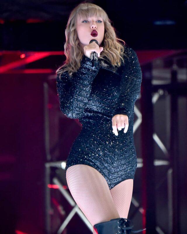 Taylor Swift Wiki, Age, Biography, Boyfriend, Net Worth & More